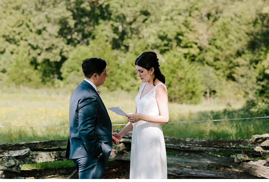 cassidyparkersmith-missouri-ranch-wedding_0050